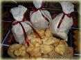 Печенье с изюмом в миндальных чипсах и кунжуте :)